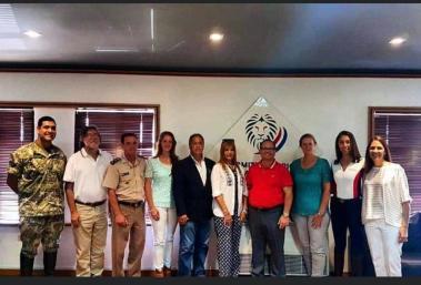 Miembros de Comisión Adiestramiento y el Pte de Fedepa , visita al Presidente del COP Camilo Perez López Moreira